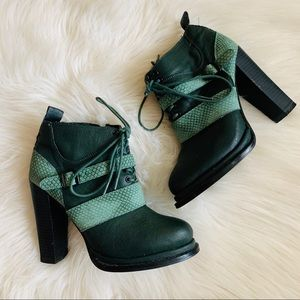Shoecult by Nasty Gal Women's Lace Up Booties 6M